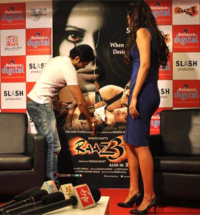 http://tamil.webdunia.com/articles/1208/30/images/img1120830012_1_2.jpg